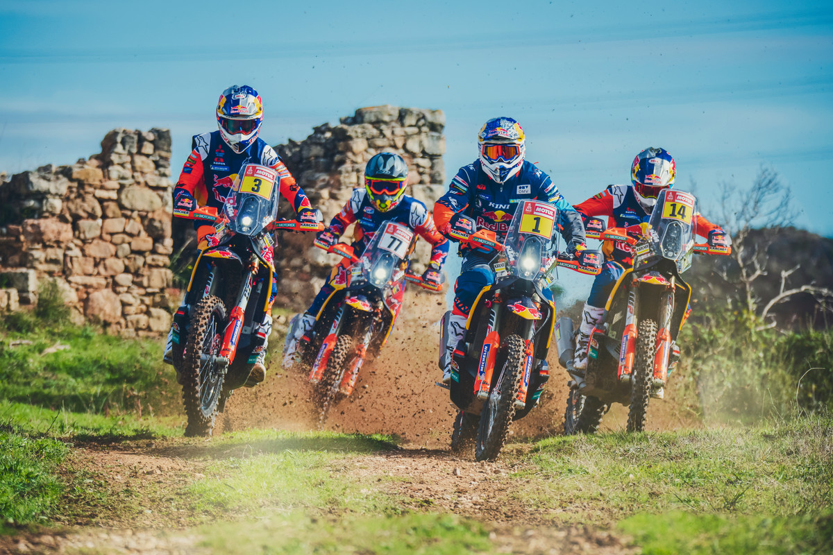 258609_KTM Dakar_Action_Team_4_2019