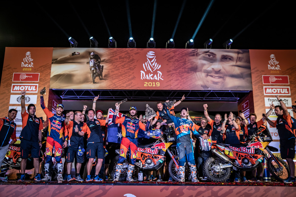 263408_misc_finish_Red Bull KTM Factory Racing_Dakar2019_482
