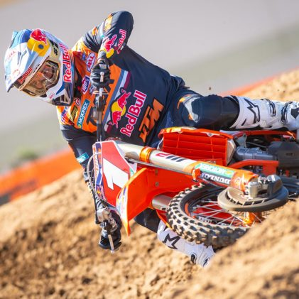 READY FOR SUPERCROSS 2020: KTM UNVEILS ITS FACTORY AND SUPPORTED TEAMS