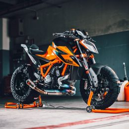 1-2-9-0: FOUR WAYS THE 2020 KTM 1290 SUPER DUKE R WILL BLOW YOUR MIND