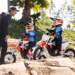KTM SX-E 5S AT THE MADDHOUSE: THE MADDISON BOYS ENJOY THE ELECTRIC EXPERIENCE!