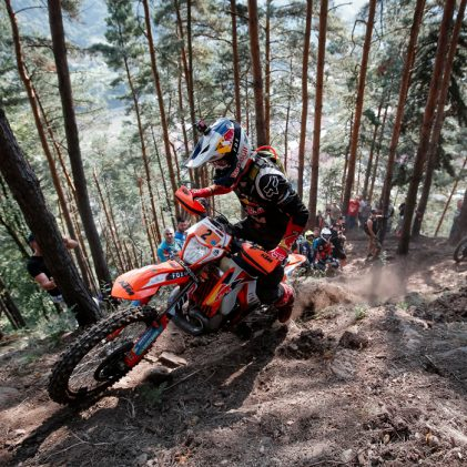 MANUEL LETTENBICHLER – TOP TIPS FOR CONQUERING EXTREME ENDURO HILL CLIMBS