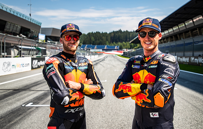 This image has an empty alt attribute; its file name is 4__353031_Brad-Binder_Pol-Espargaro_MotoGP_Red-Bull-Ring_Media-Day_13082020-2.jpg