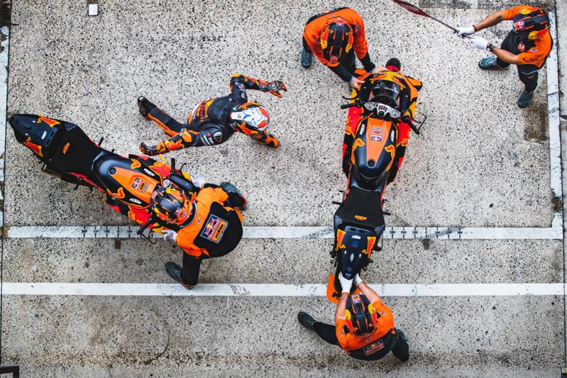 This image has an empty alt attribute; its file name is Image15_363007_Pol-Espargaro_KTM-RC16_MotoGP_Le-Mans-_FRA_2020_10_11-3.jpg