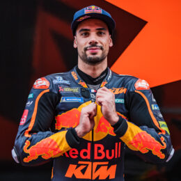 WRAPPING MIGUEL: KTM'S MOTOGP™ STAR TALKS RACING GEAR