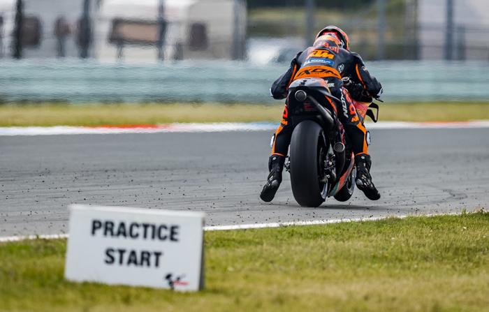 Beim Start eines MotoGP Rennens verlassen sich die Fahrer auf 'Holeshot-Devices', Launch-Control und Traktionskontrolle PC @PolarityPhoto